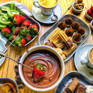 Fondue au chocolat : un dessert allégé idéal pour pâques