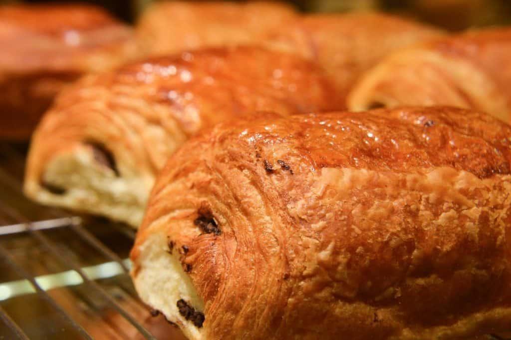 Petit pain au chocolat et à la pistache