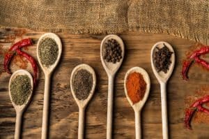 Quelles herbes et épices pour détoxifier votre organisme?