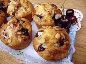Muffin allégé à la griotte et aux amandes (sans gluten)