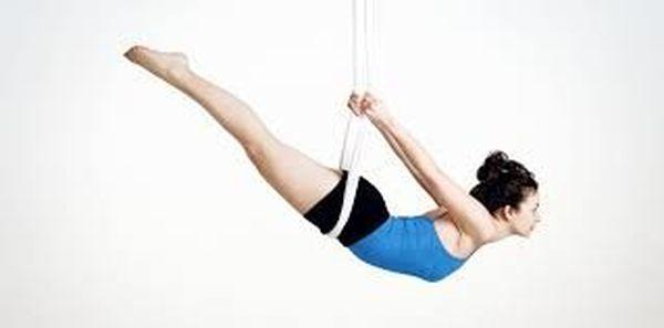 Faites du yoga dans les airs avec le fly yoga