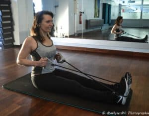 Exercices pour se muscler avec un élastique