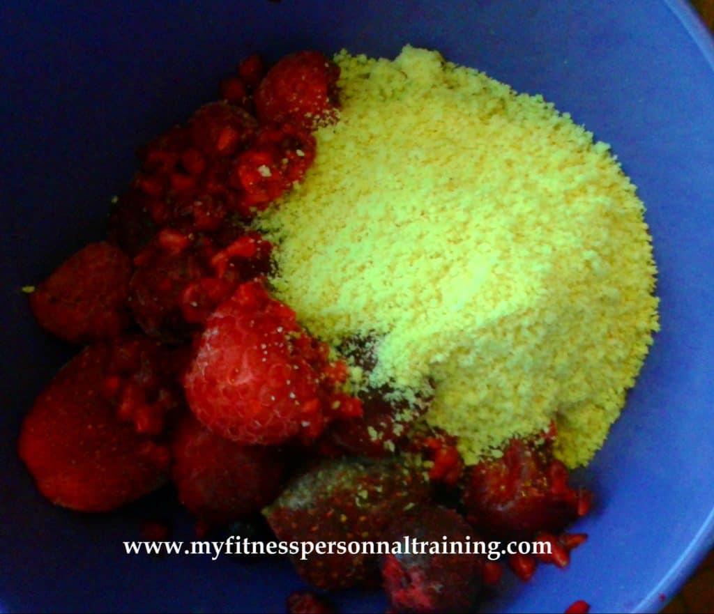 Idée p'tit déj antioxydant: fruits rouges aux amandes