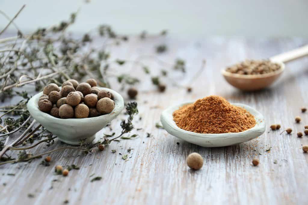 La noix de muscade: vertus thérapeuthique et anti-courbature