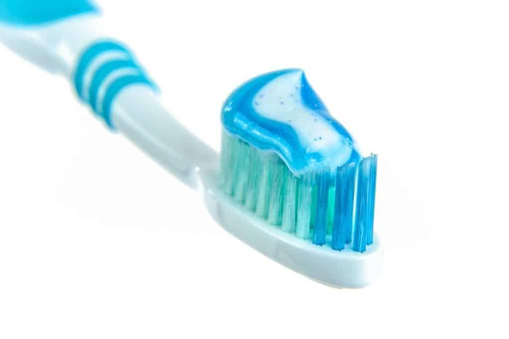 fabriquer son dentifrice naturel: pourquoi? Comment?