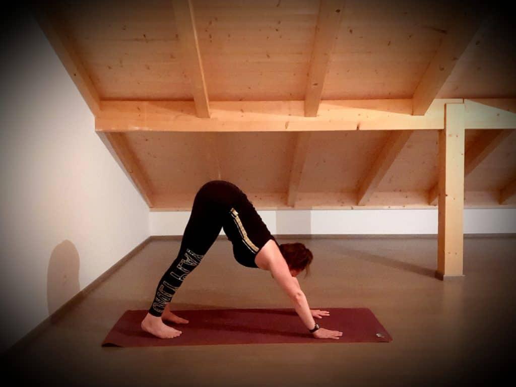 Vidéo: yoga contre les maux de tête