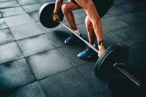 musculation: travailler avec barre ou avec haltère?