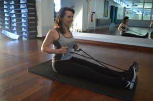 exercices pour tonifier son corps avec un élastique (vidéo)