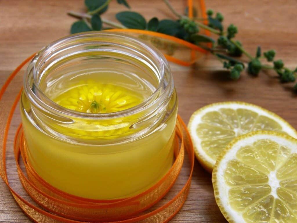 Bienfaits et propriétés de l'huile essentielle de citron