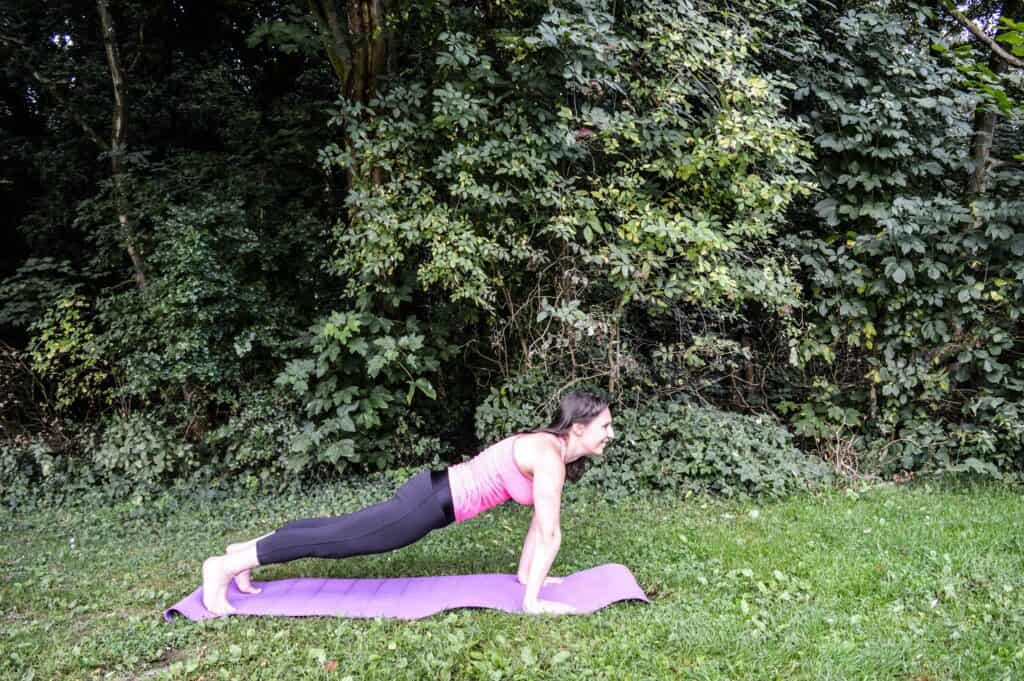 cours de yoga pour renforcer le centre du corps