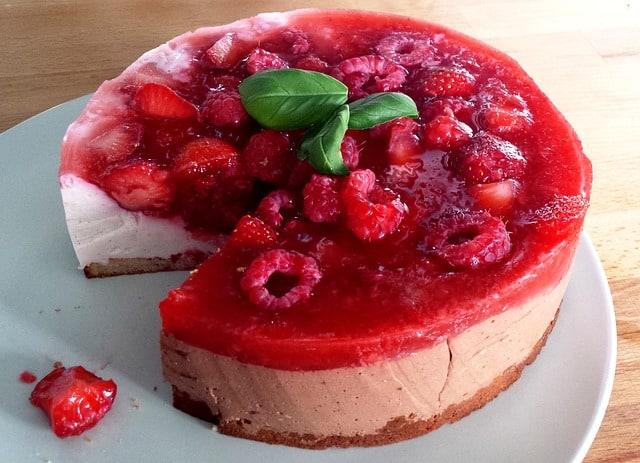 Cheesecake framboise chocolat blanc vegan et allégé