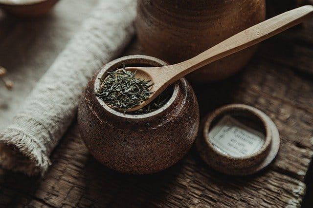 Bienfaits et propriétés du thé aux aiguilles de pin
